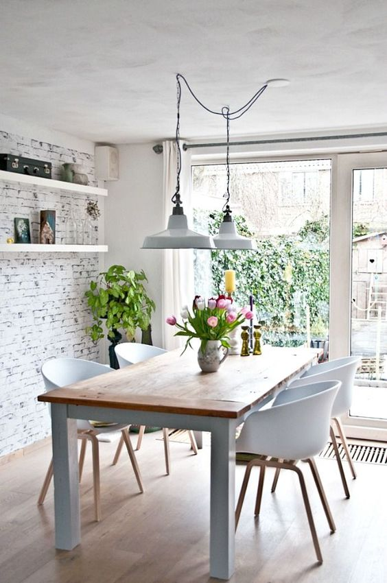 Rustic Dining Rooms: Enchanting Small Room