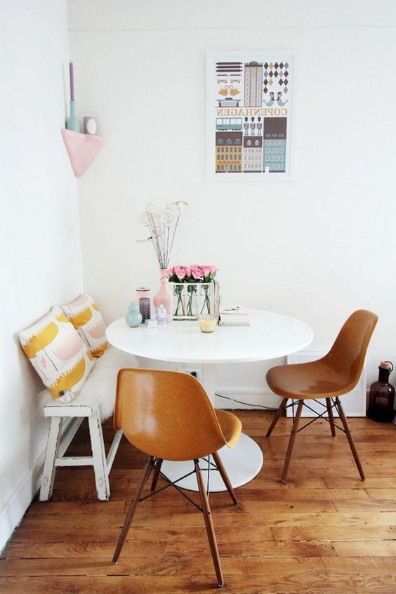 Small Dining Room: Earthy Chic Decor