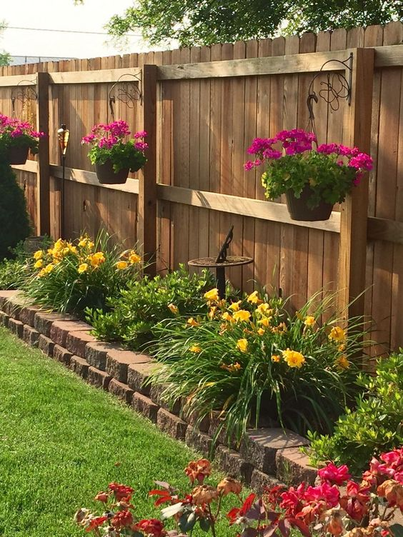 vertical fence ideas 11
