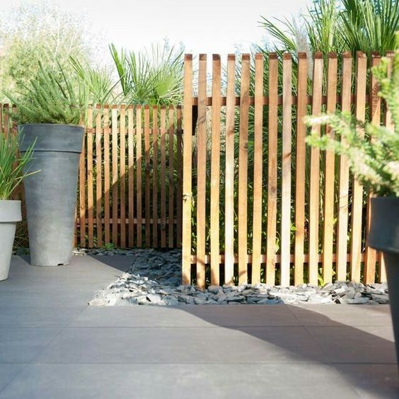 vertical fence ideas 21