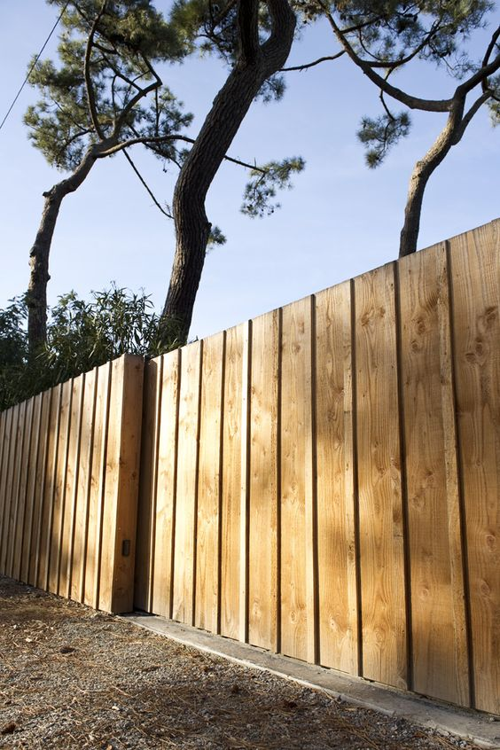 vertical fence ideas 22
