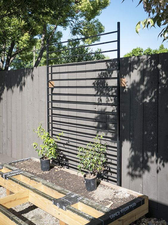 vertical fence ideas 24
