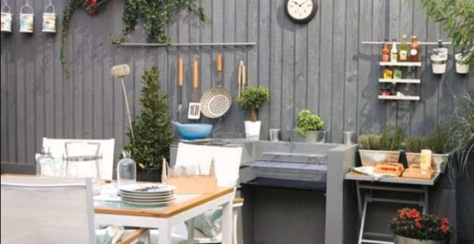 Vertical Fence Ideas 25 Stylish Designs To Decorate Your Backyard
