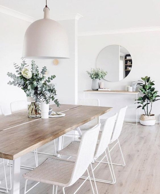 White Dining Room: Chic Earthy Decor
