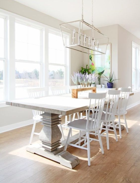 White Dining Room: Beautiful Vintage Decor