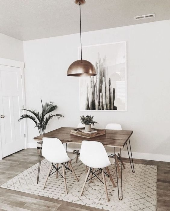 White Dining Room: Stylish Simple Decor