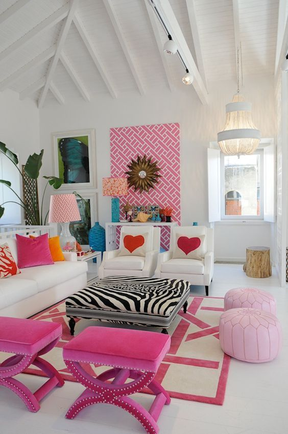Pink Living Room: Attractive All-White Decor