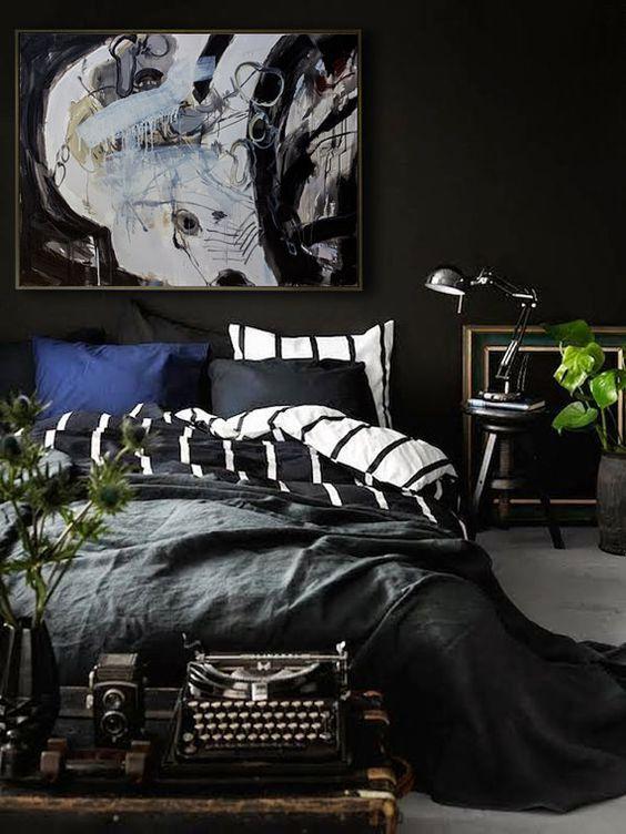 Black Bedroom Ideas: Chic Vintage Decor