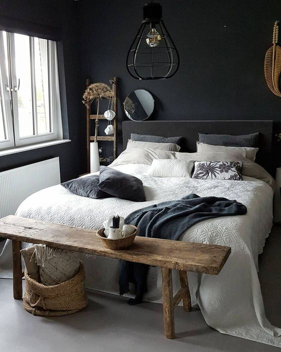 Black Bedroom Ideas: Simple Monochrome Decor
