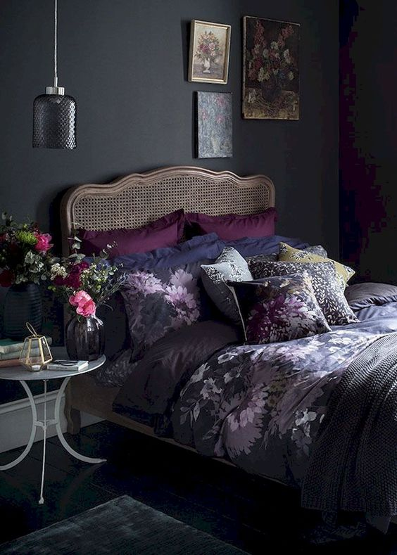 Black Bedrooms Decor: Elegant Feminine Decor