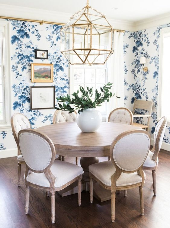 Blue Dining Rooms: Catchy Feminine Decor