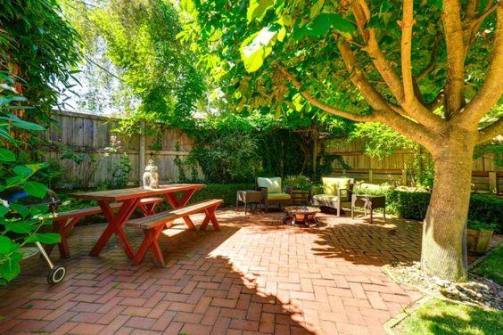 brick patio ideas 22