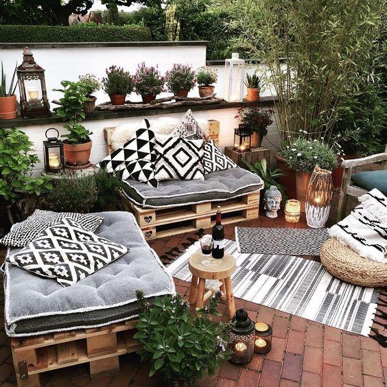 Brick Patios Ideas: Attractive Small Design