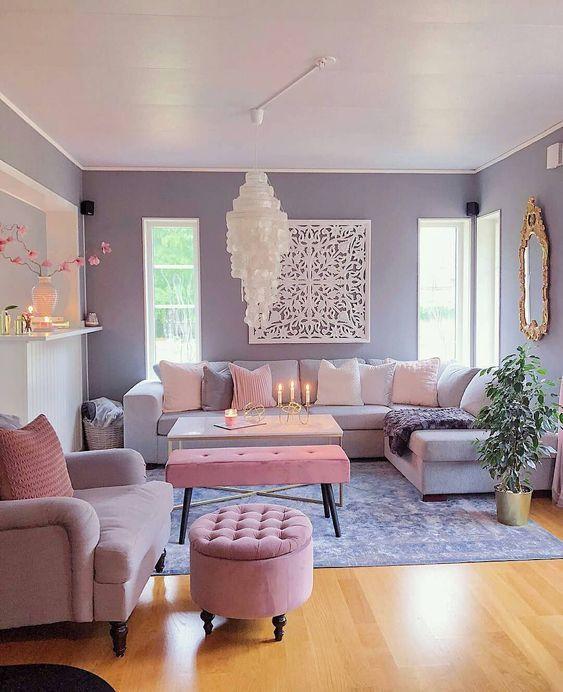 Bright Living Room: Warm Neutral Decor