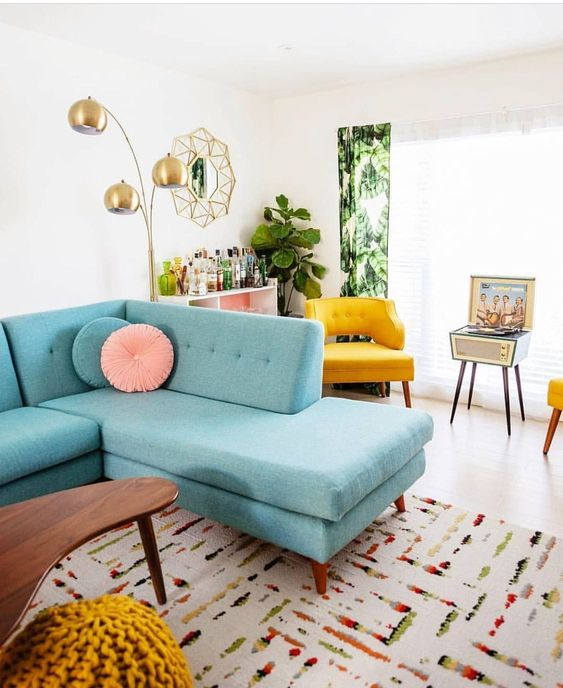 Bright Living Room: Brightly Colorful Decor