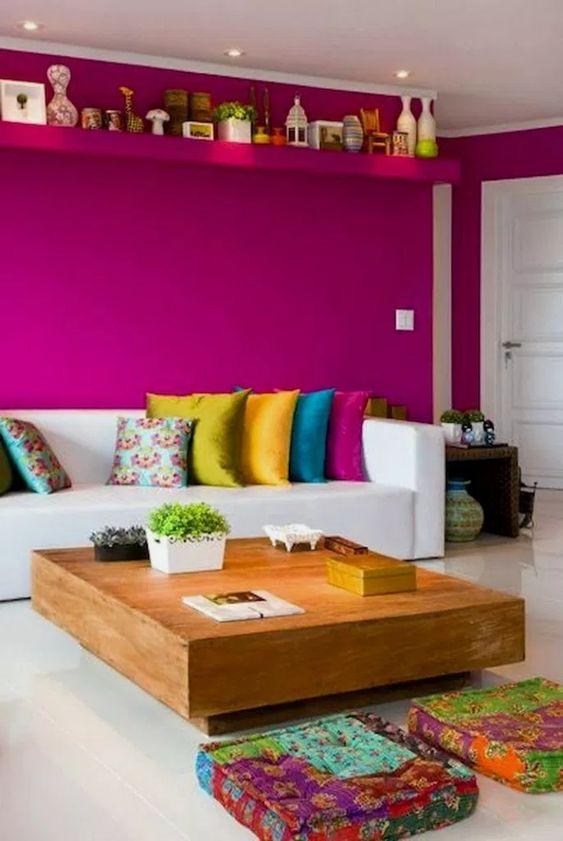 Bright Living Room: Catchy Bold Decor
