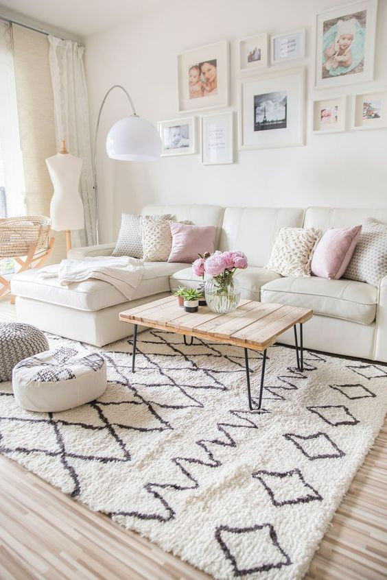 Scandinavian Living Room: Chic Girly Decor