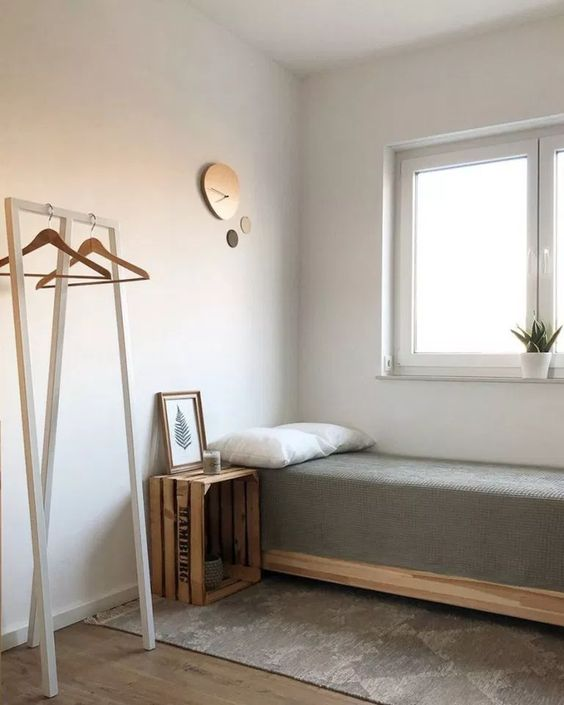 Simple Bedroom Ideas: Elegant Minimalist Decor