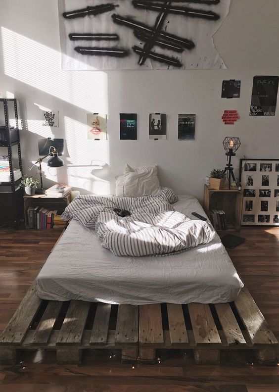 Simple Bedroom Ideas: Stylish Rustic Decor