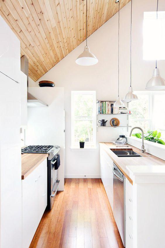 Simple Kitchen Ideas: Brightly Warm Decor