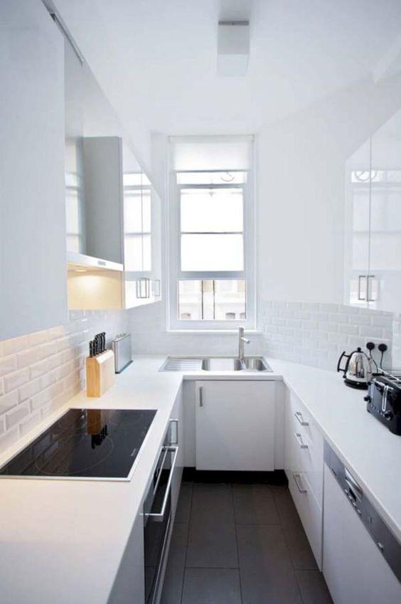 Simple Kitchen Ideas: Elegant Monochrome Decor