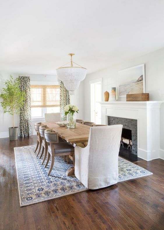 Transitional Dining Room: Bright Earthy Decor