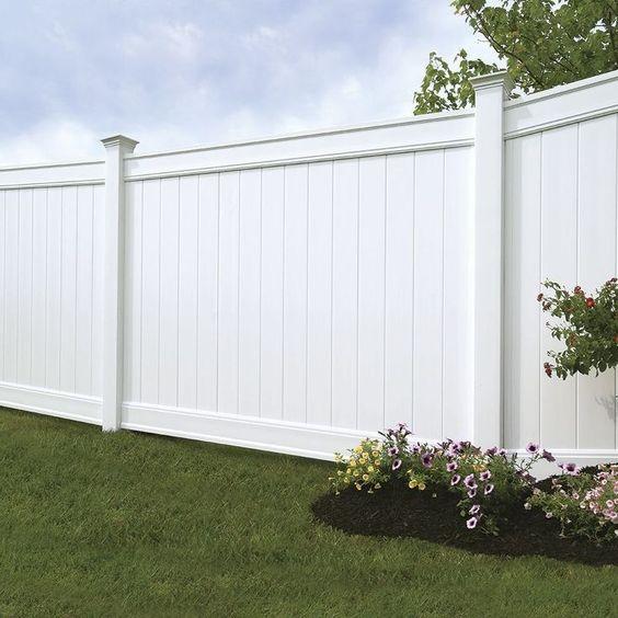 White Fence Ideas: Gorgeous Simple Design