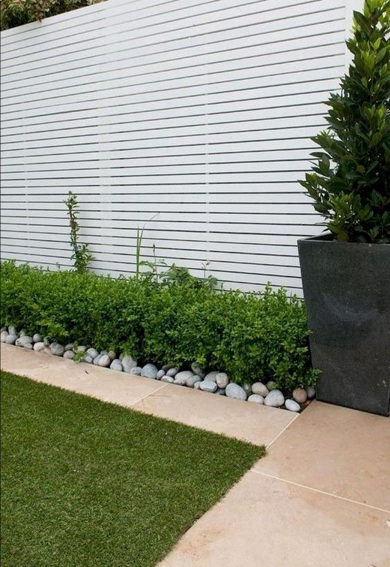 White Fence Ideas: Stylish Modern Fence
