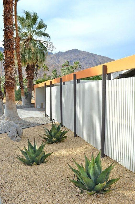 White Fence Ideas: Catchy Unique Design