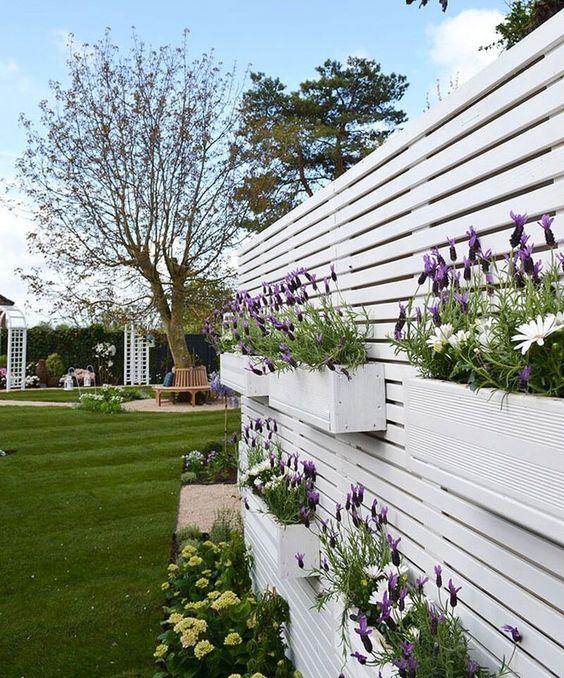 White Fence Ideas: Chic Decorative Fence