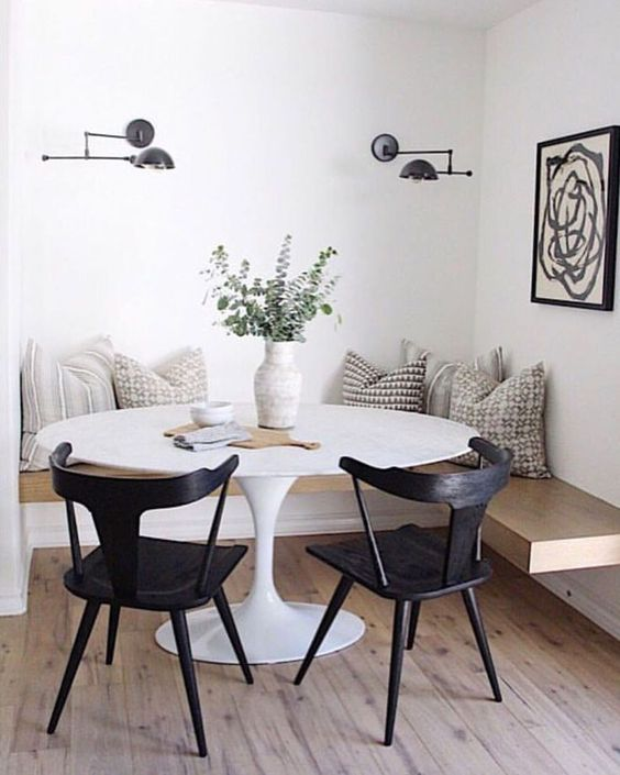 Dining Room Apartment: Elegant Rustic Decor