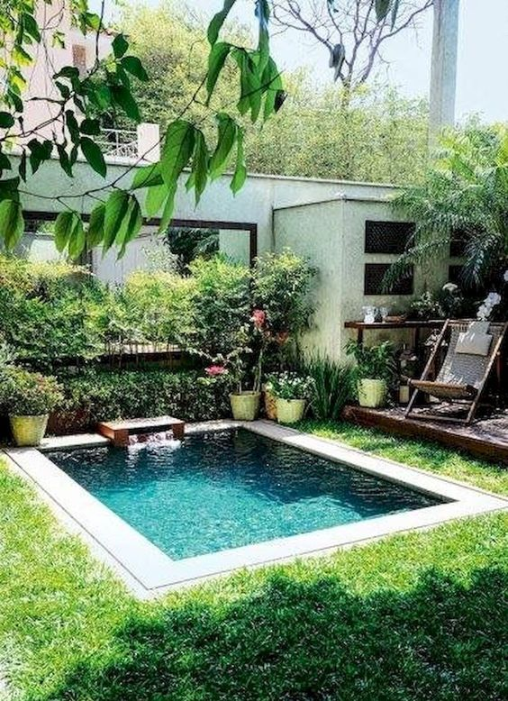 Modern Swimming Pool: Simple Plunge Design
