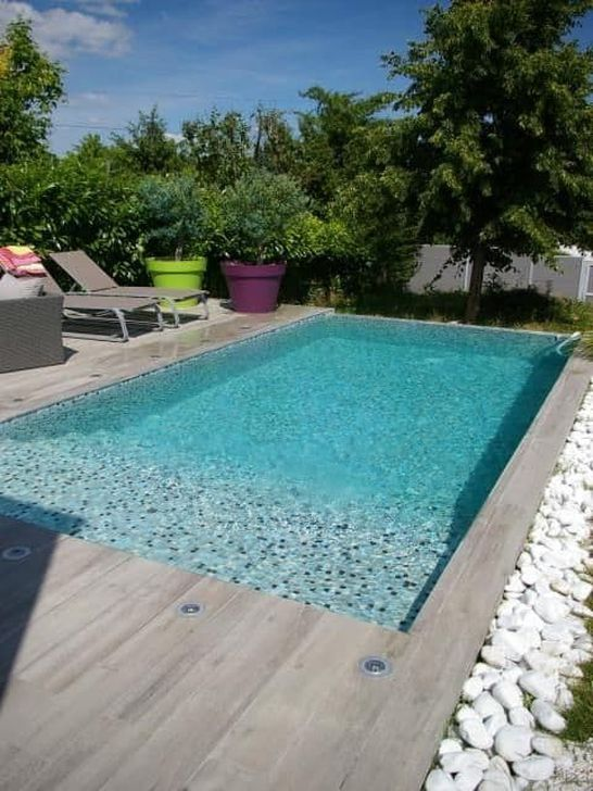 Modern Swimming Pool: Stylish Earthy Design