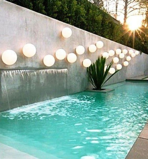 Swimming Pool Decorations: Catchy Floating Lights