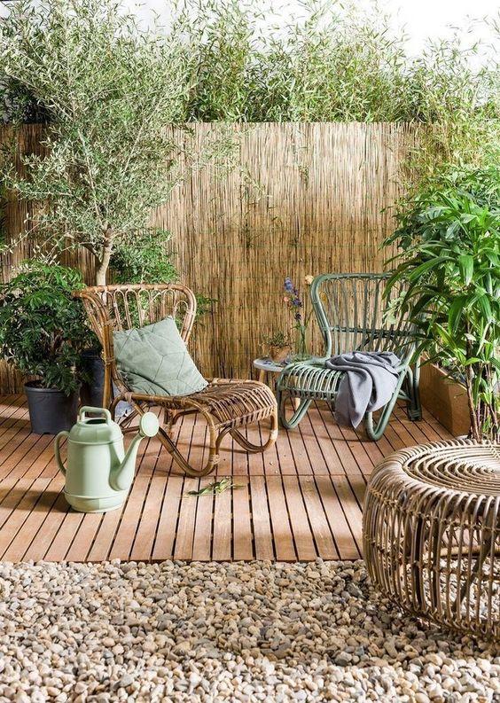 Bamboo Fence Ideas: Gorgeous Earthy Design