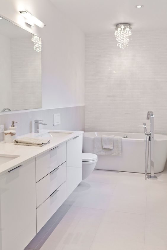 Bathroom Colors Ideas: Stunning All-White Nuance