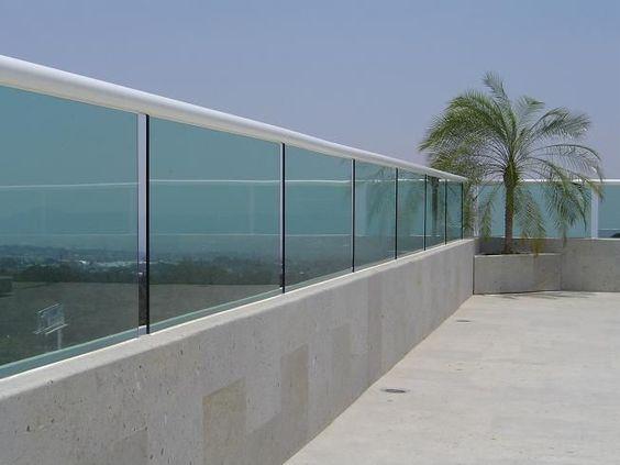 Glass Fence Ideas: Concrete Glass Design