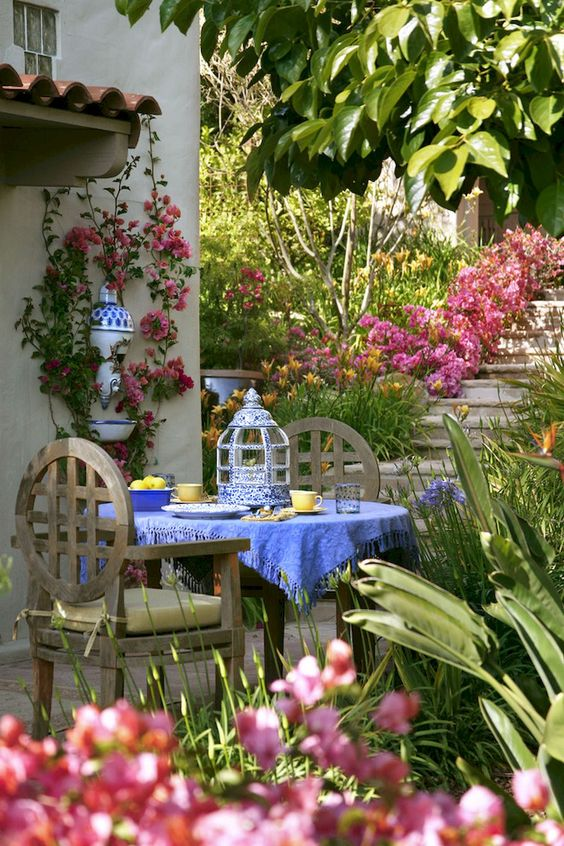 patio dining ideas 18