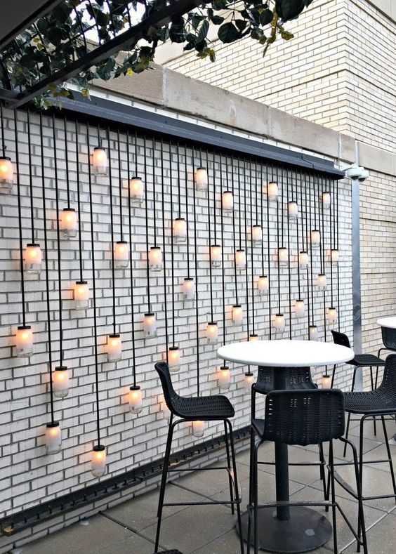 Patio Dining Ideas: Striking Chic Decor
