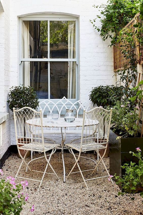 Patio Dining Ideas: Gorgeous Vintage Design