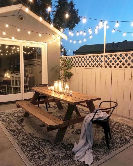 Patio Dining Ideas: Stylish Simple Design