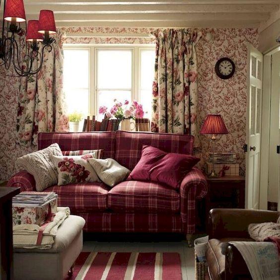 Shabby Chic Living Room: Elegant Feminine Decor