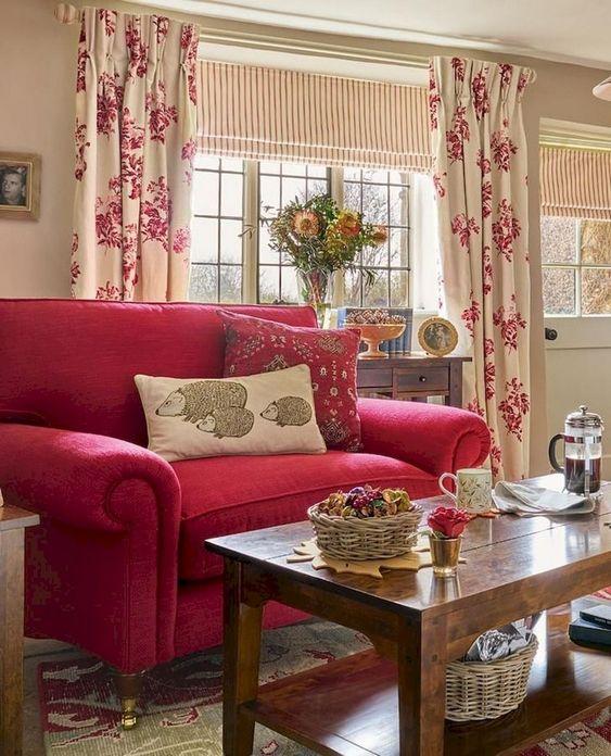 Shabby Chic Living Room: Striking Chic Decor