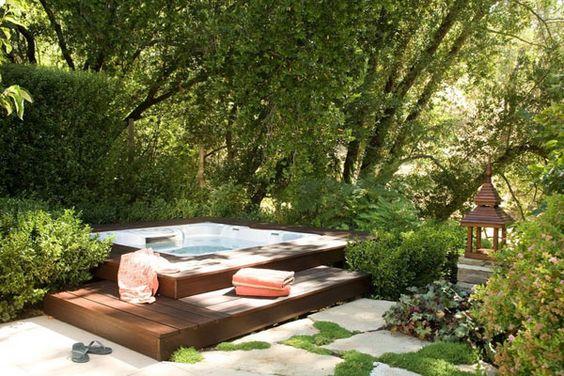 Sunken Hot Tub: Cozy Natural Design