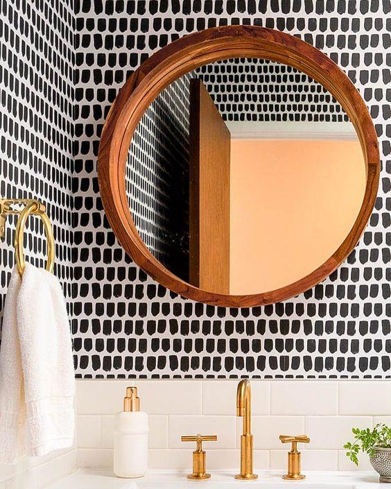 Bathroom Wallpaper Ideas: Catchy Monochrome Decor