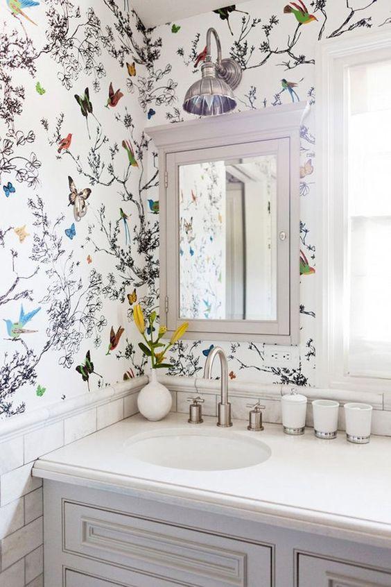 Bathroom Wallpaper Ideas: Beautiful Garden Decor