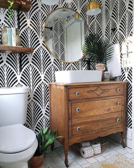 Bathroom Wallpaper Ideas: Elegant Tropical Decor