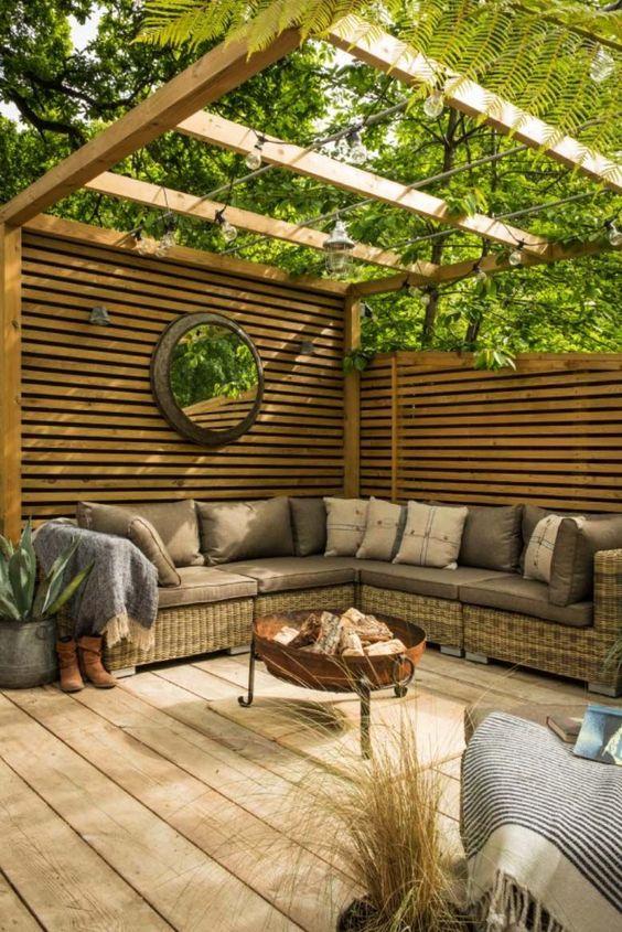 Small Backyard Ideas: Beautiful Cozy Decor