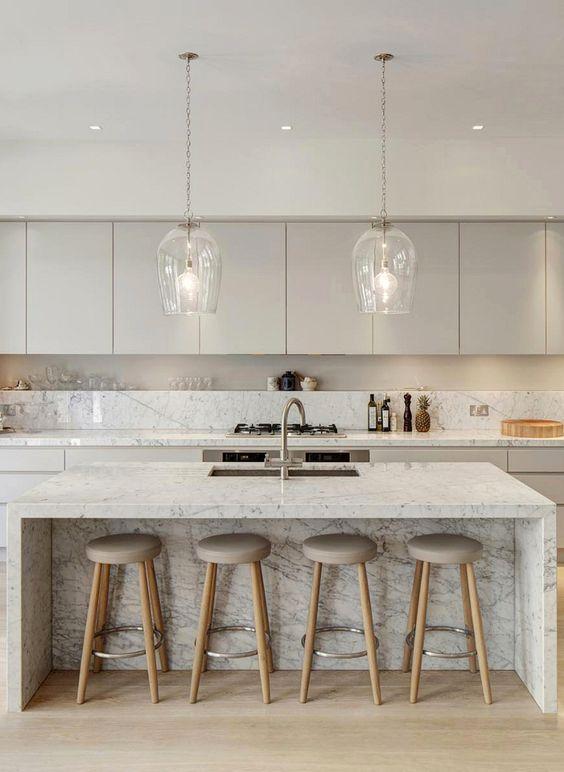 /Contemporary Kitchen Ideas: Gorgeous Neutral Decor