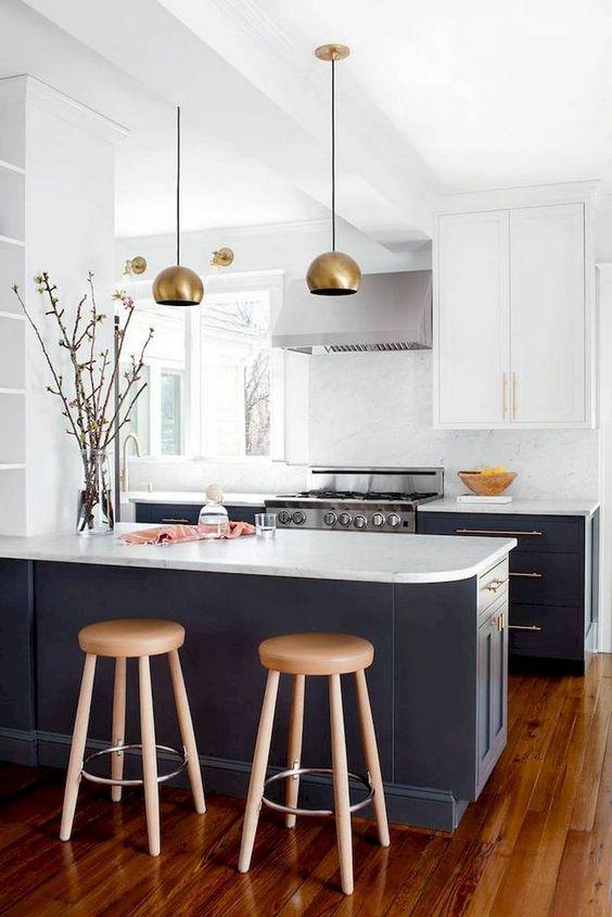 Kitchen Decor Ideas: Chic Minimalist Decor